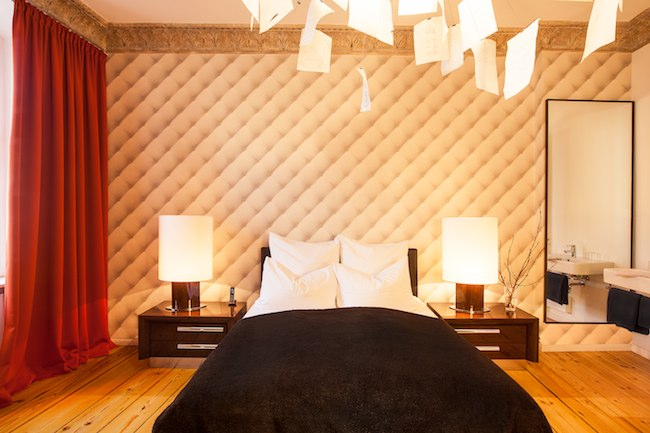 klassik zimmer adele. Black Bedroom Furniture Sets. Home Design Ideas